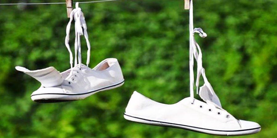 Hướng dẫn vệ sinh làm sạch giày trắng